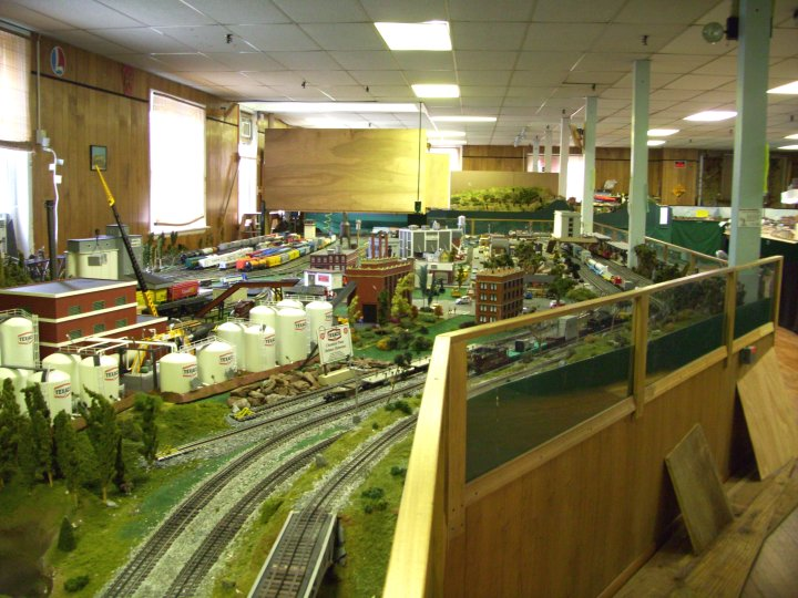 The o scale layout looking from the main hall the o